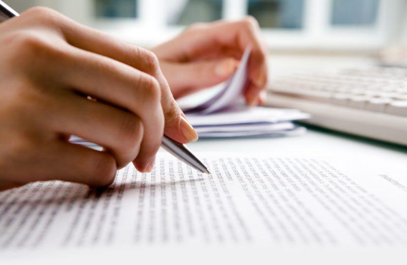 چگونه مترجم حرفه ای شویم؟ آموزش اصول مترجمی ، یادگیری فنون ترجمه ، چگونه شغل مترجمی را برگزینیم؟ شغل مترجمی ، موقعیت شغلی مترجم